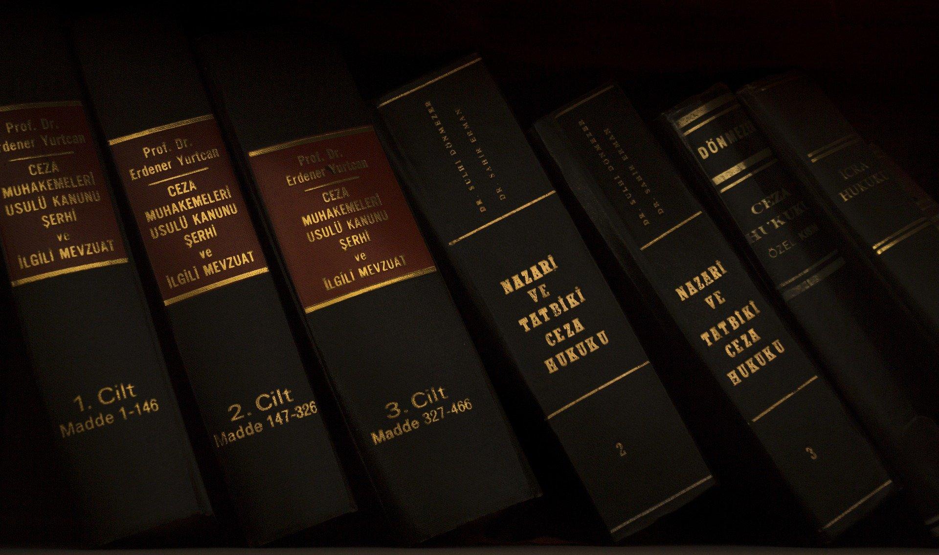 نحوه ثبت نام آزمون پروانه کارآموزی کانون وکلای دادگستری 99