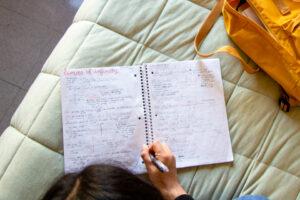 فواید مطالعه در روز